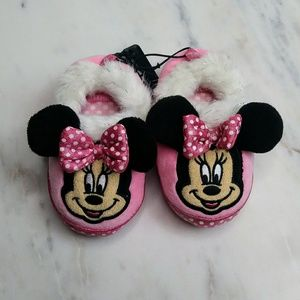 🆕Disney Minnie Mouse Slippers Size 5/6